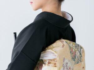 夏の黒留袖の素材ic